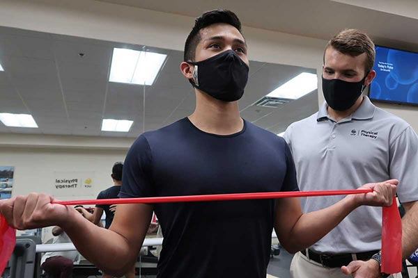 UCF's Physical Therapy Clinic Offers Service to Community, Opportunities for Students